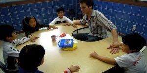 Кому выгодно работать учителем английского в Китае? Видео-интервью.