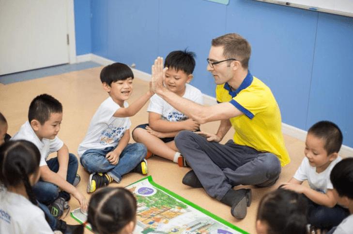 работать учителем в Китае